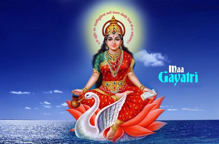 गायत्री माता, Gayatri Mata - DuniyaSamachar
